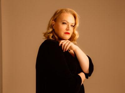 Daria Hodnik i dalje na HRTOP40, a donosi i novu glazbenu poslasticu