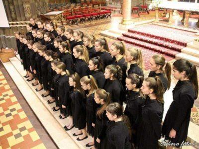 Djevojački zbor Mozartine oduševio publiku u tri županije!
