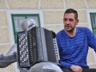 """Samir Nurkić i dalje osvaja sa svojom jedinstvenom obradom pjesme """"Ederlezi!"""""""