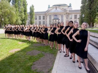 Još jedna glazbena čarolija obojena predivnim glasovima iz Pjevačkog studija Mozartine u Hrvatskom glazbenom zavodu!