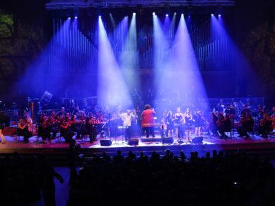 Salsa filarmónica u Off ciklusu - rasplesana dvorana i prava fiesta orkestra!