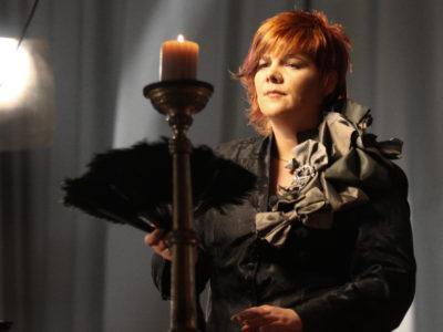 Mladenka predstavlja video spot za 'Anđeo i vrag'
